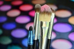 Zauberer schminken